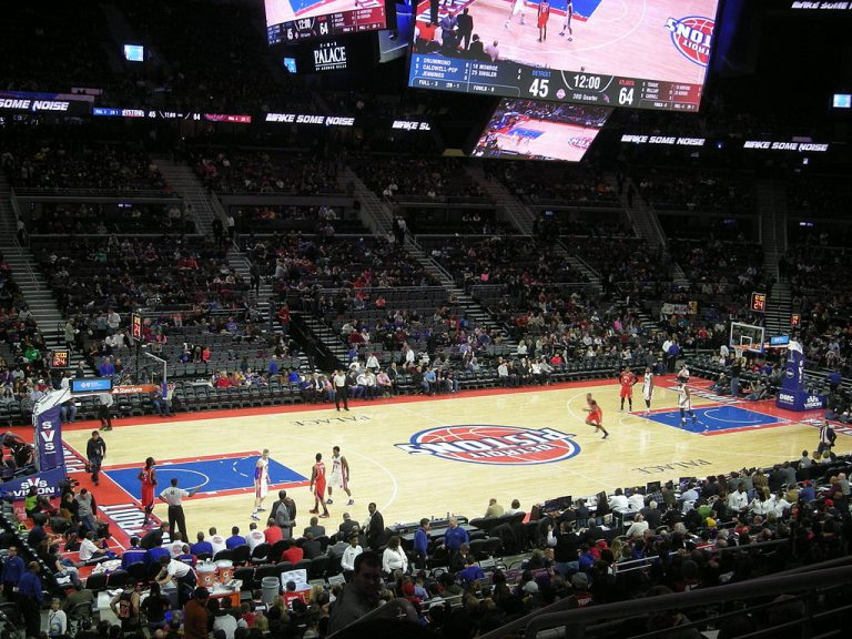 Griffin leads the way for quick-starting Pistons