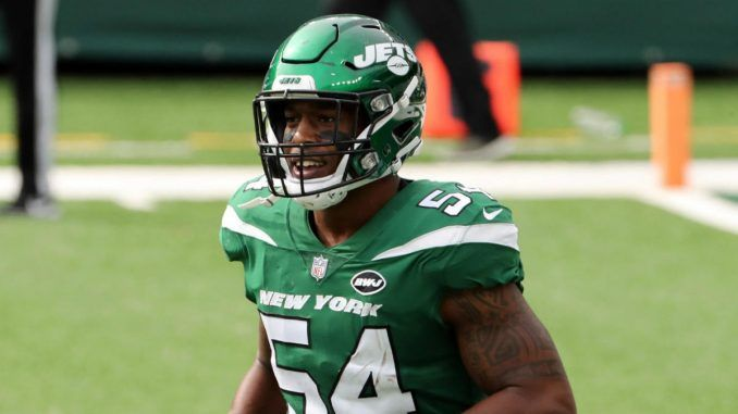 Avery Williamson with the Jets