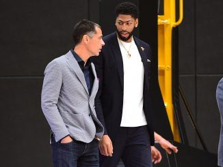 Rob Pelinka chats to Anthony Davis