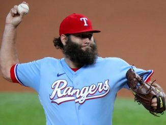 Lance Lynn pitches for Rangers