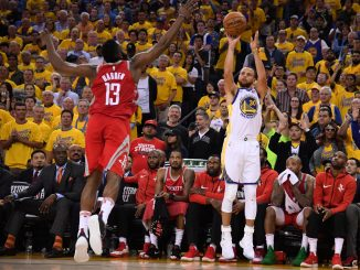 Steph Curry shoots
