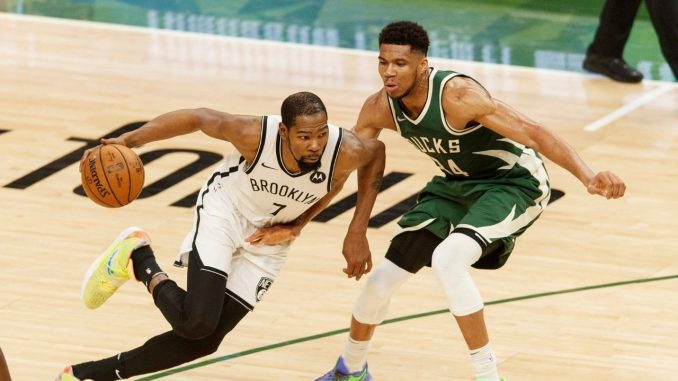 Giannis guards KD